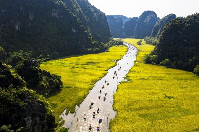 "Come and join in ""The Golden Color of Tam Coc – Trang An"" SO SO HOT FOR THIS SUMMER!!!"