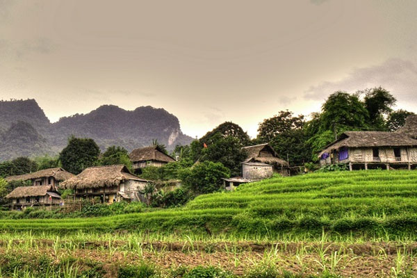 Package 05: Hanoi –Mai Chau - Halong –Explore Hanoi by local way 6 days/ 5 nights
